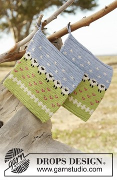 Summer Grazing Potholder by DROPS Design